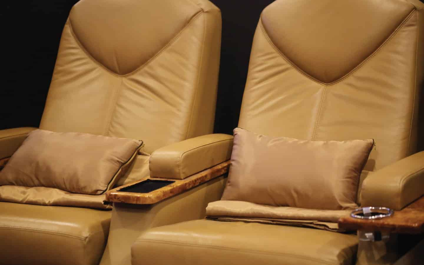 Best leather recliner sofa